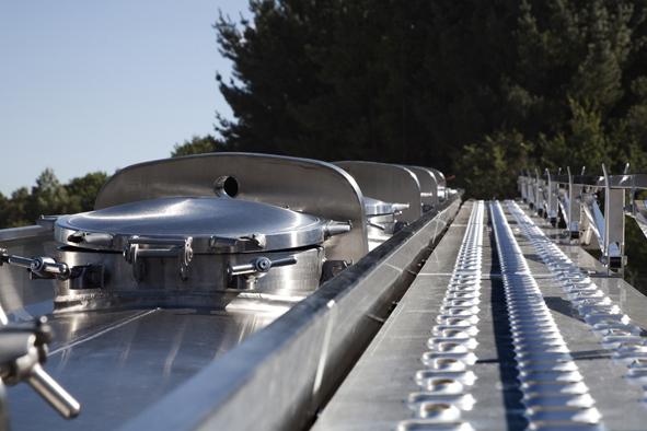 Cisternas autoportantes para transporte de mercancías peligrosas construidas bajo normativa ADR